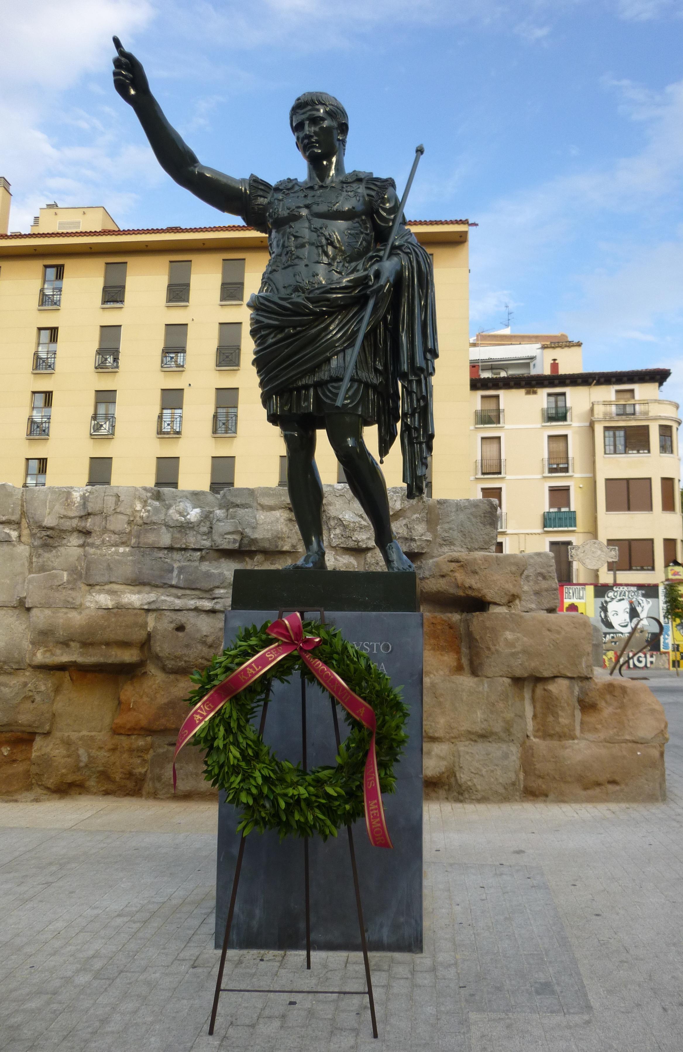 Homenaje del Ayuntamiento de Zaragoza a Avgvsto en el bimilenario de su muerte. Foto- J. Paz